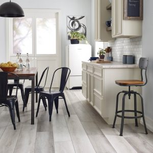 Farmhouse Kitchen | Pucher's Decorating Centers